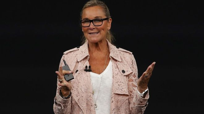 Angela Ahrendts : wiki, salary, networth, age, married, husband, family